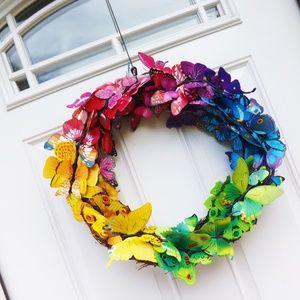 🌈Rainbow butterfly 18in grapevine wreath